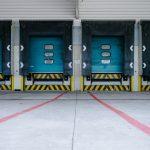 物流センターのトラック待機時間を削減する方法