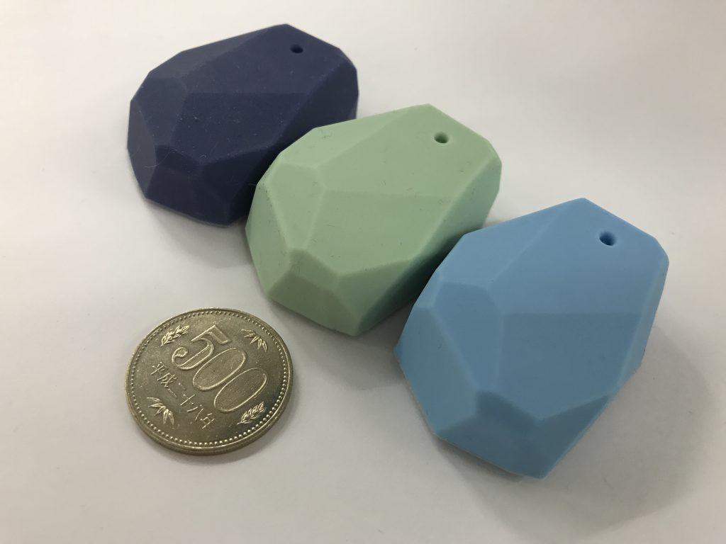 Proximity Beaconsと500円玉の比較画像2